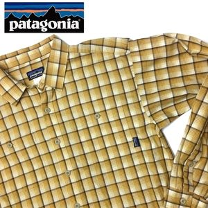 PATAGONIA Men's Plaid Button Down Shirt